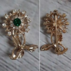 Jewelry - Gold tone broch with green stone and diamonds